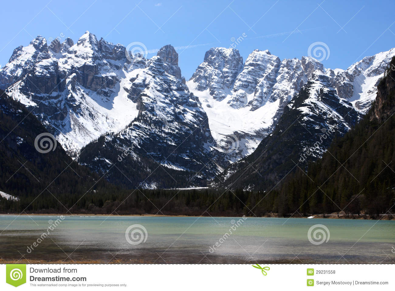Download Lago mountain foto de stock. Imagem de clear, rocha, penhasco - 29231558