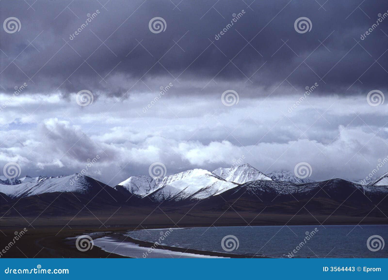 Lago Namtso, nube