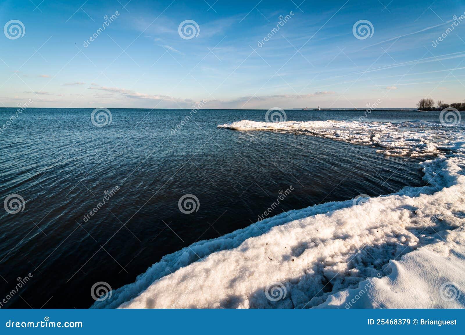 lago ontario en invierno imgenes de archivo libres de regalas