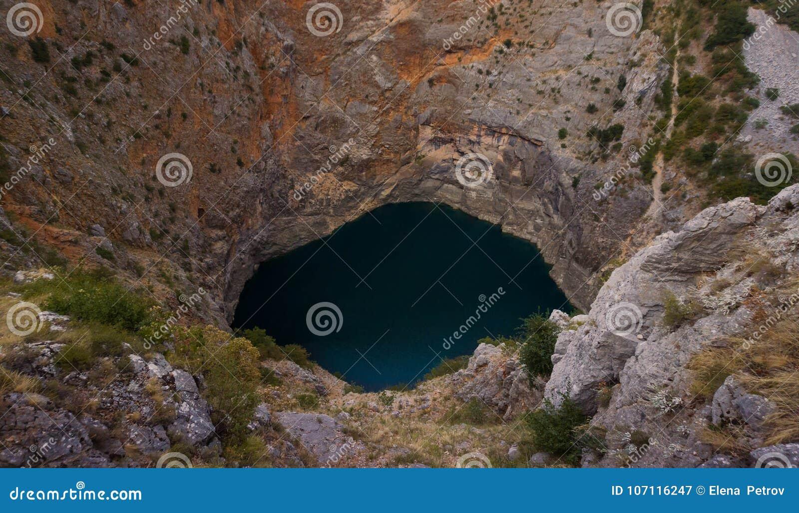 Lago rojo Crveno Jezero Croacia
