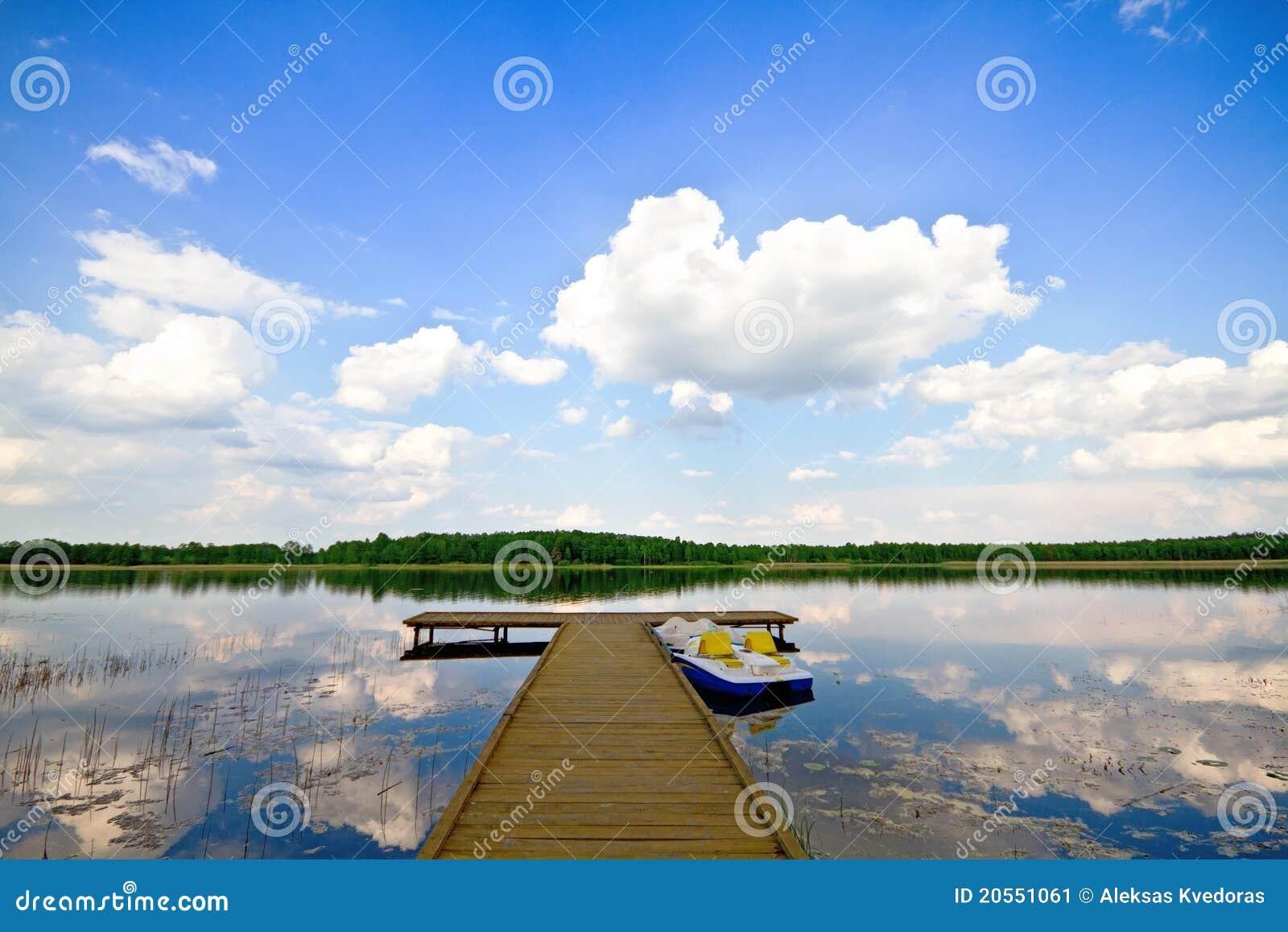 Lago summer, Pierce