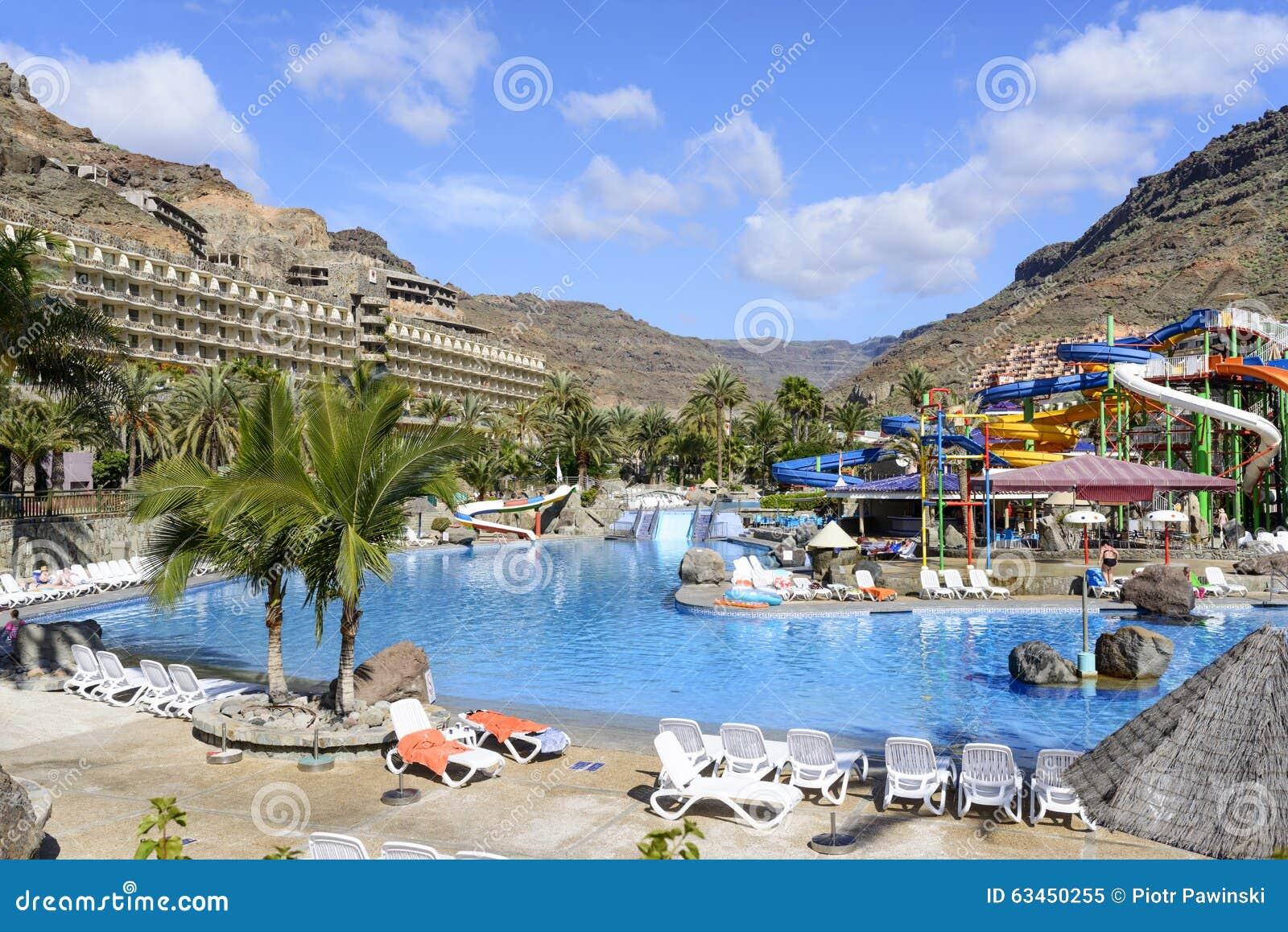 The lago taurito parque acuatico editorial image image - Gran canaria weather november ...