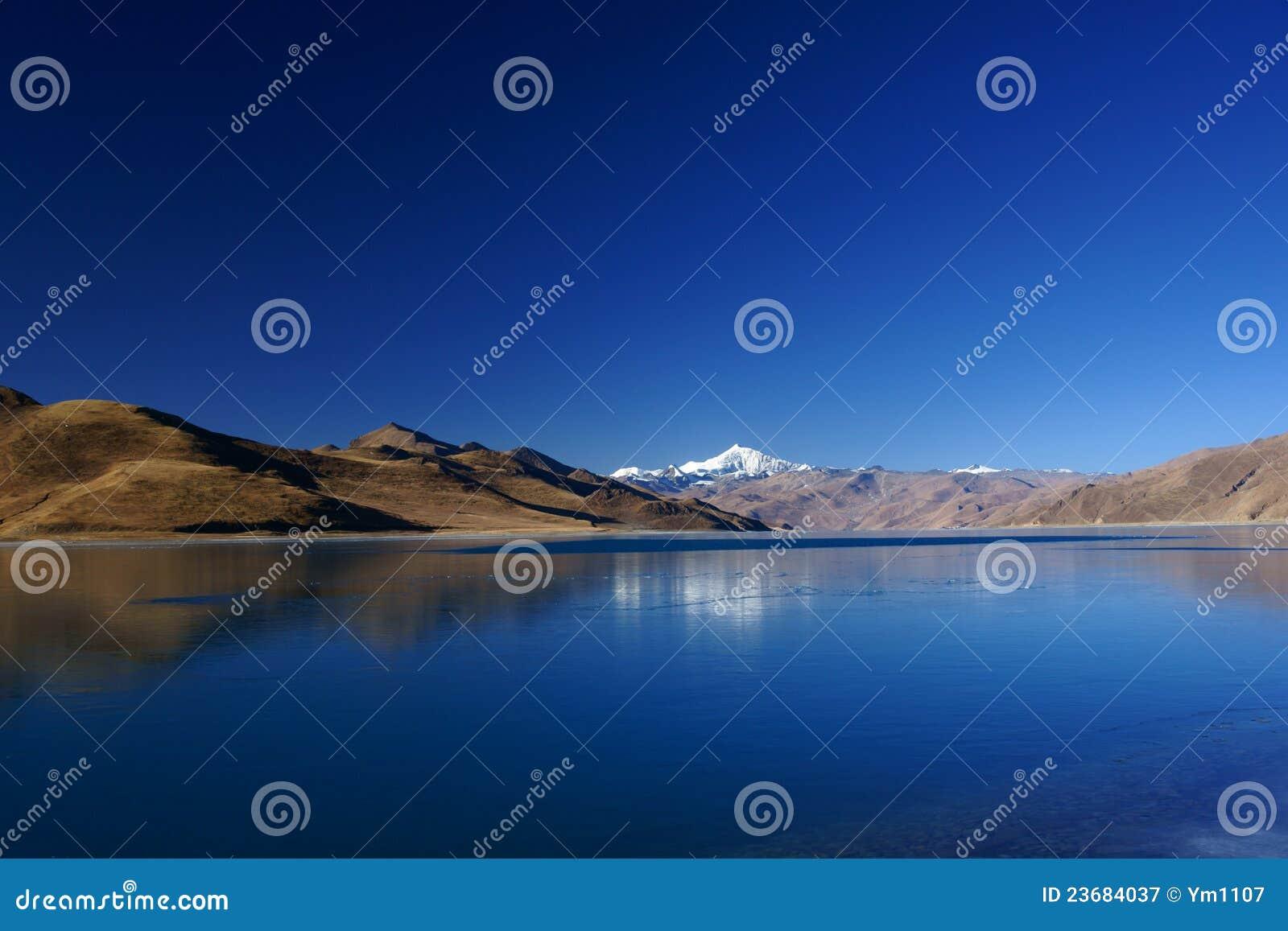 Lago Yamdrok Yumts