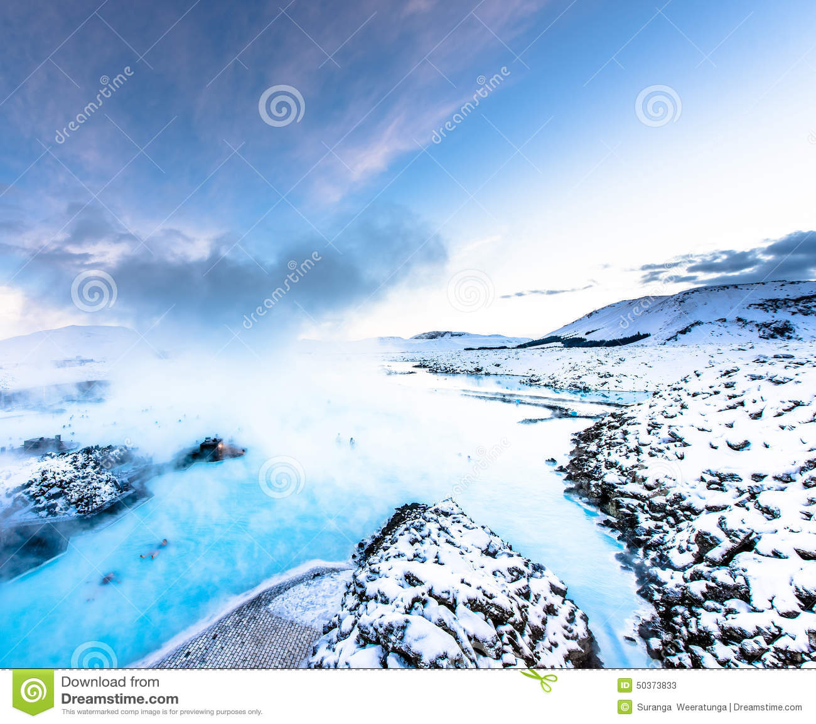 A lagoa azul famosa perto de Reykjavik, Islândia