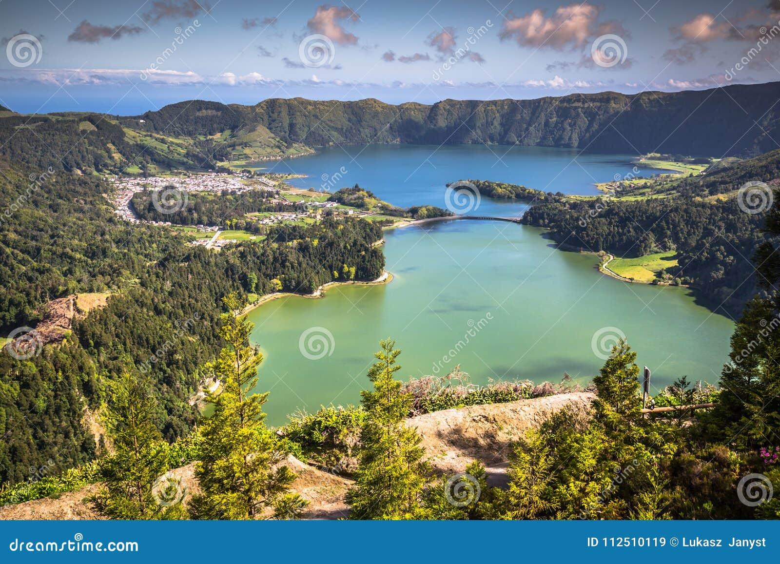 Lagoa Sete Cidades en la isla de Azores