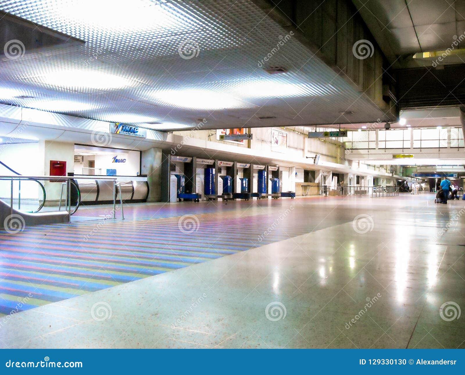 LaGuaira Vargas tillstånd/Venezuela 08/11/2018 internationella flygplats Simon Bolivar Maiquetia Editorial