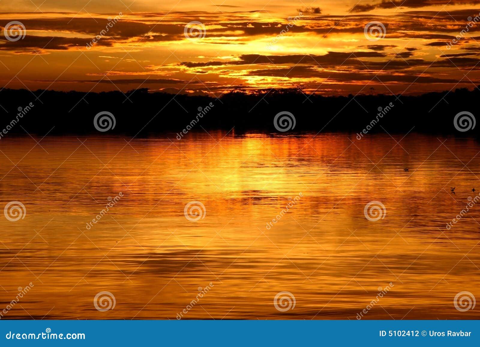 Laguna au coucher du soleil