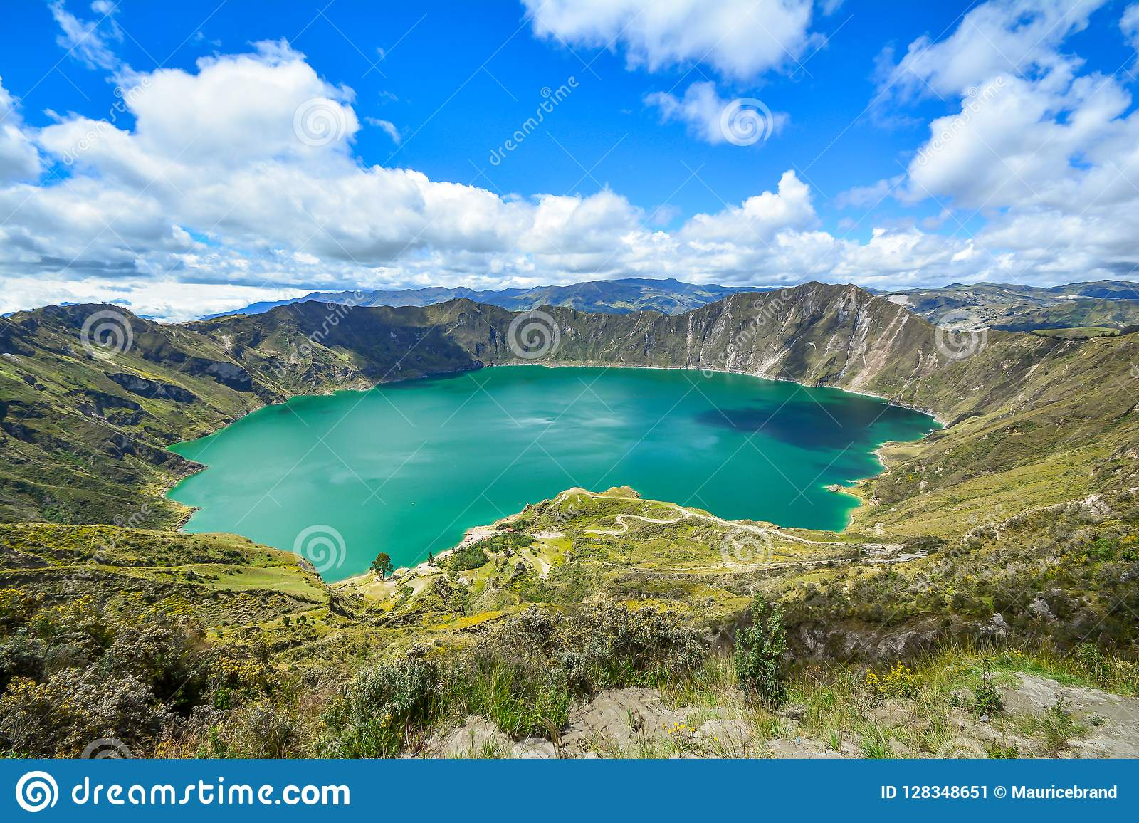 Lagune de Quilotoa Equateur en volcan