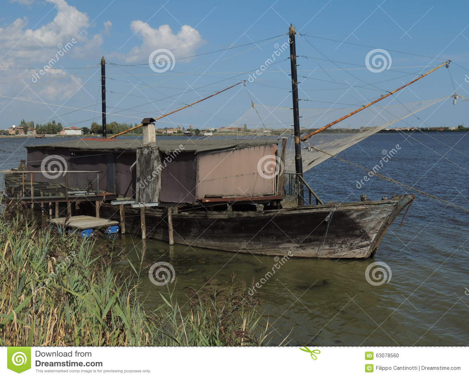 Download Lagunes de Comacchio photo stock. Image du bosquet, birdwatching - 63078560