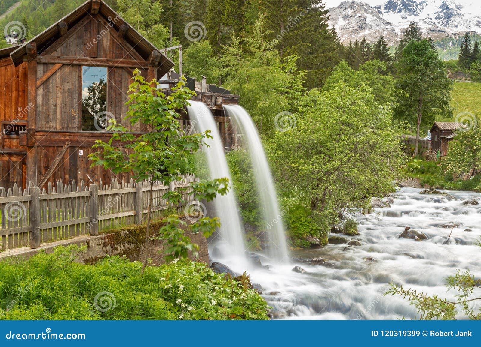 Lahner Saege, een historische zaagmolen, Ulten-Vallei, Zuid-Tirol,