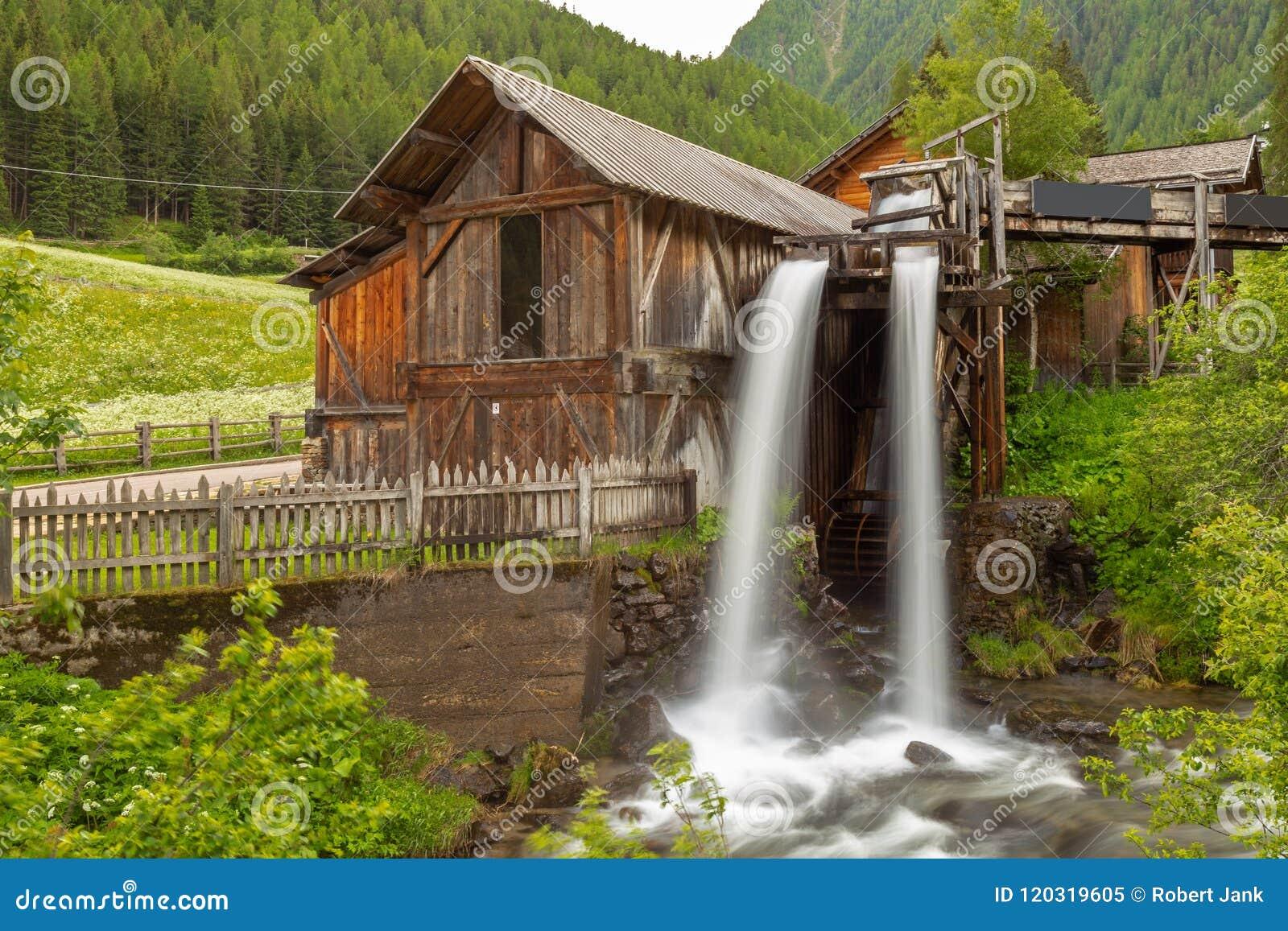Lahner Saege, ett historiskt sågverk, Ulten dal, södra Tyrol,