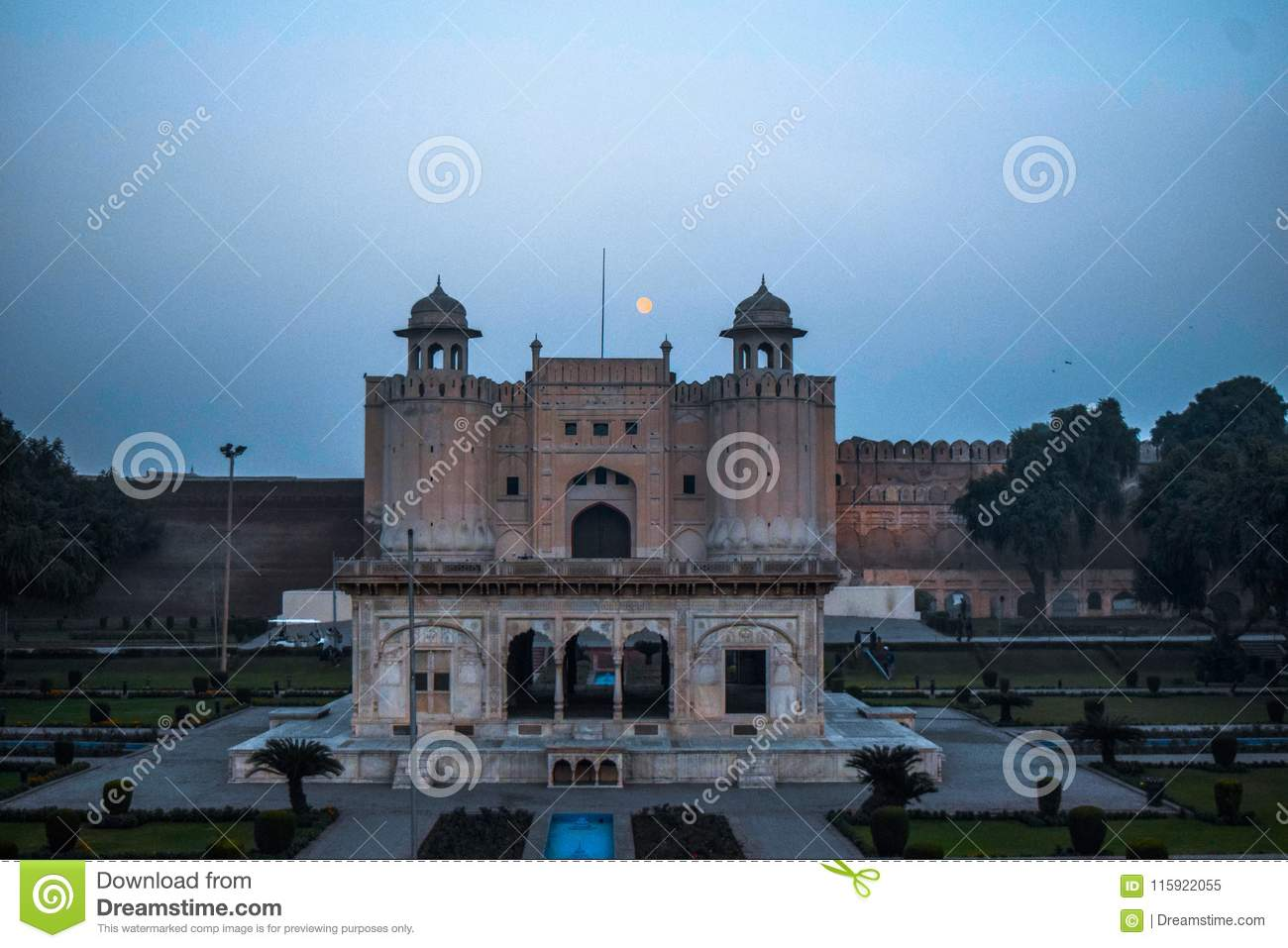Lahorefort met Iqbal Tomb