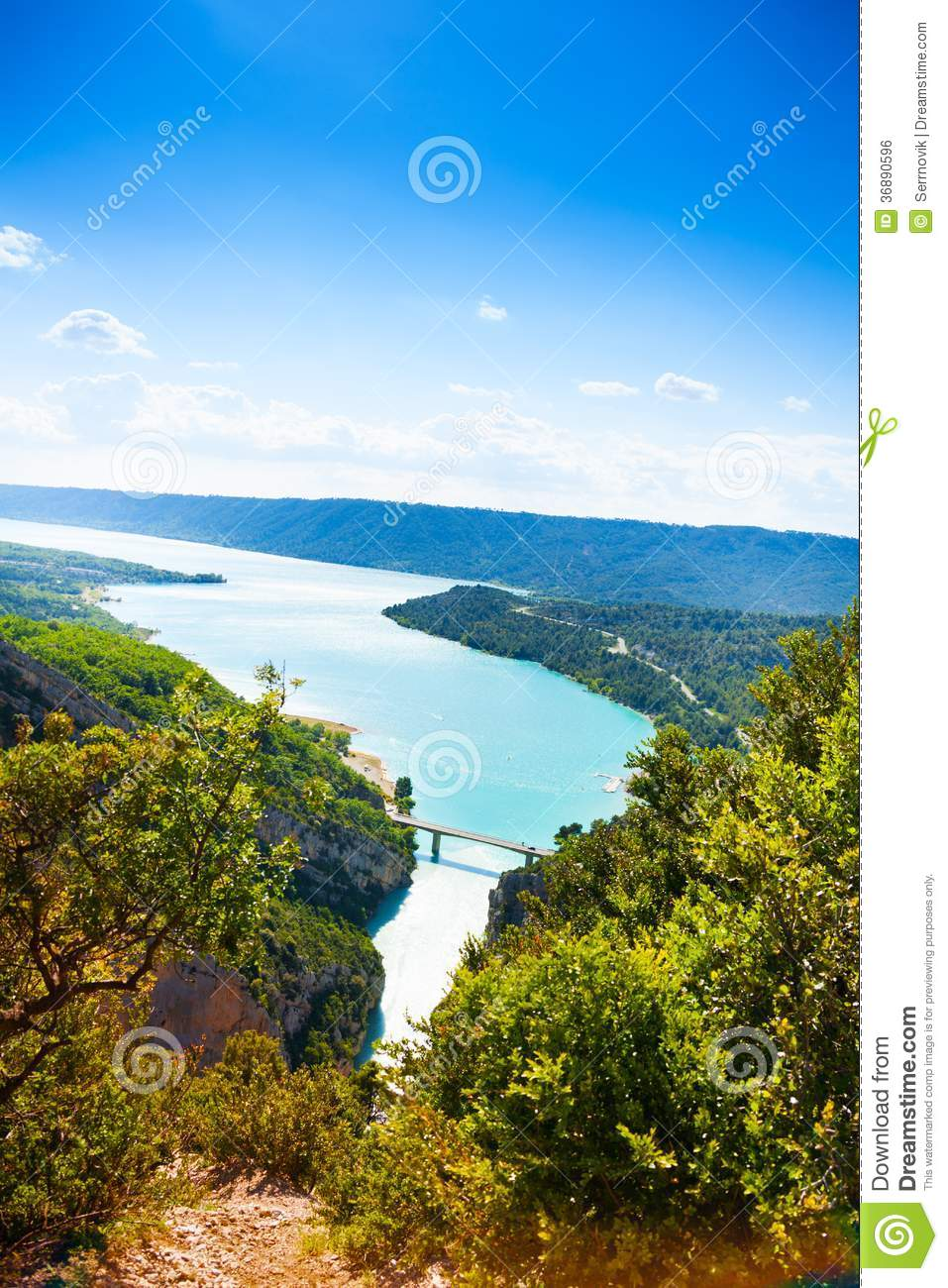 Download Lake de Castillon fotografia stock. Immagine di aperto - 36890596