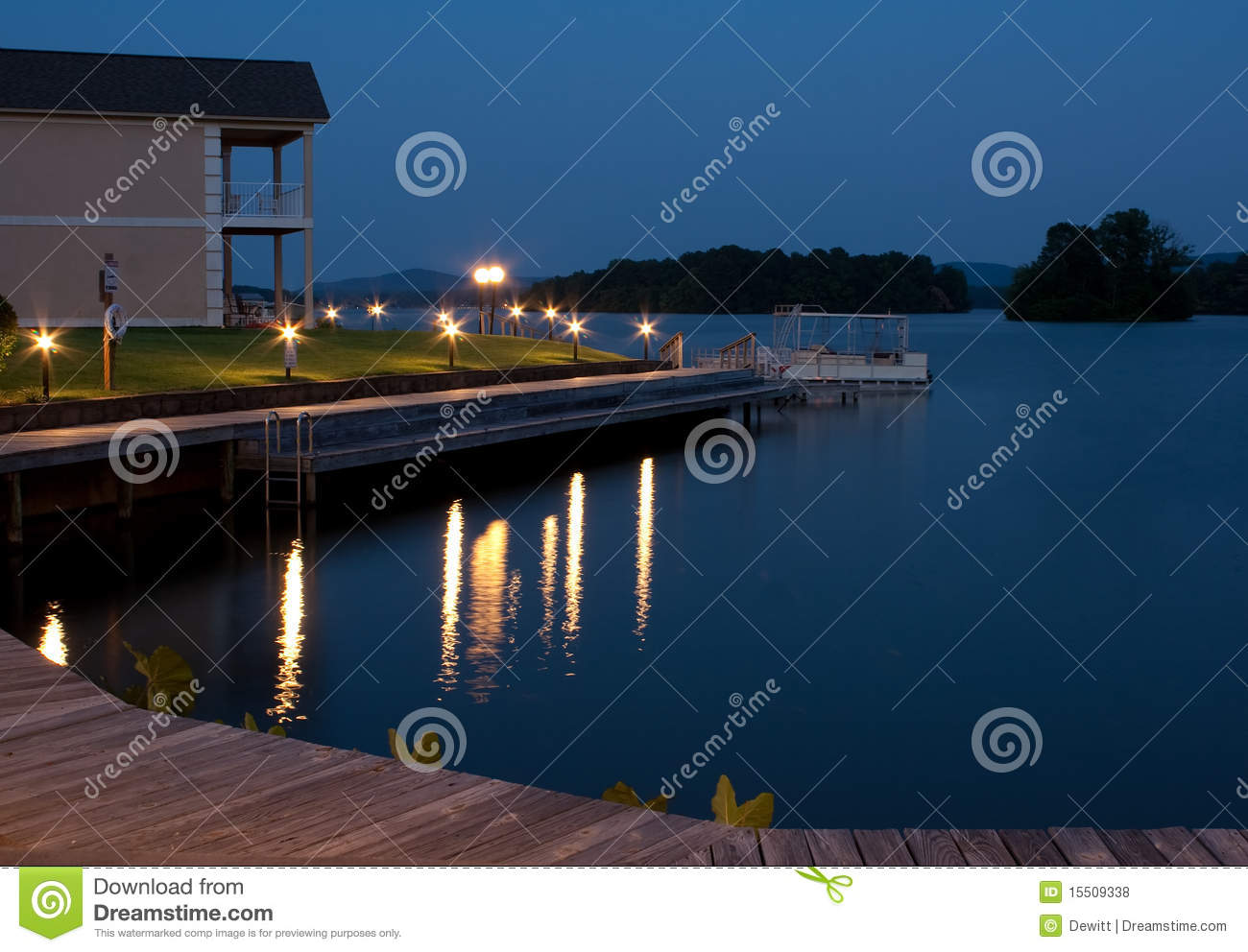 Lake front property royalty free stock photos image for Lake front home