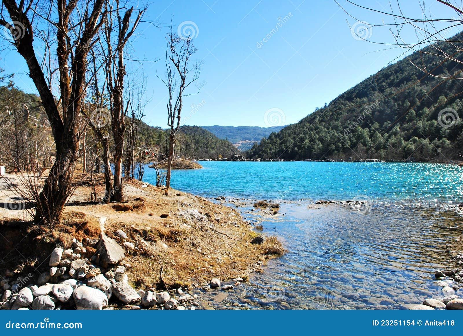 Lake of the Jade Dragon Snow Mountain