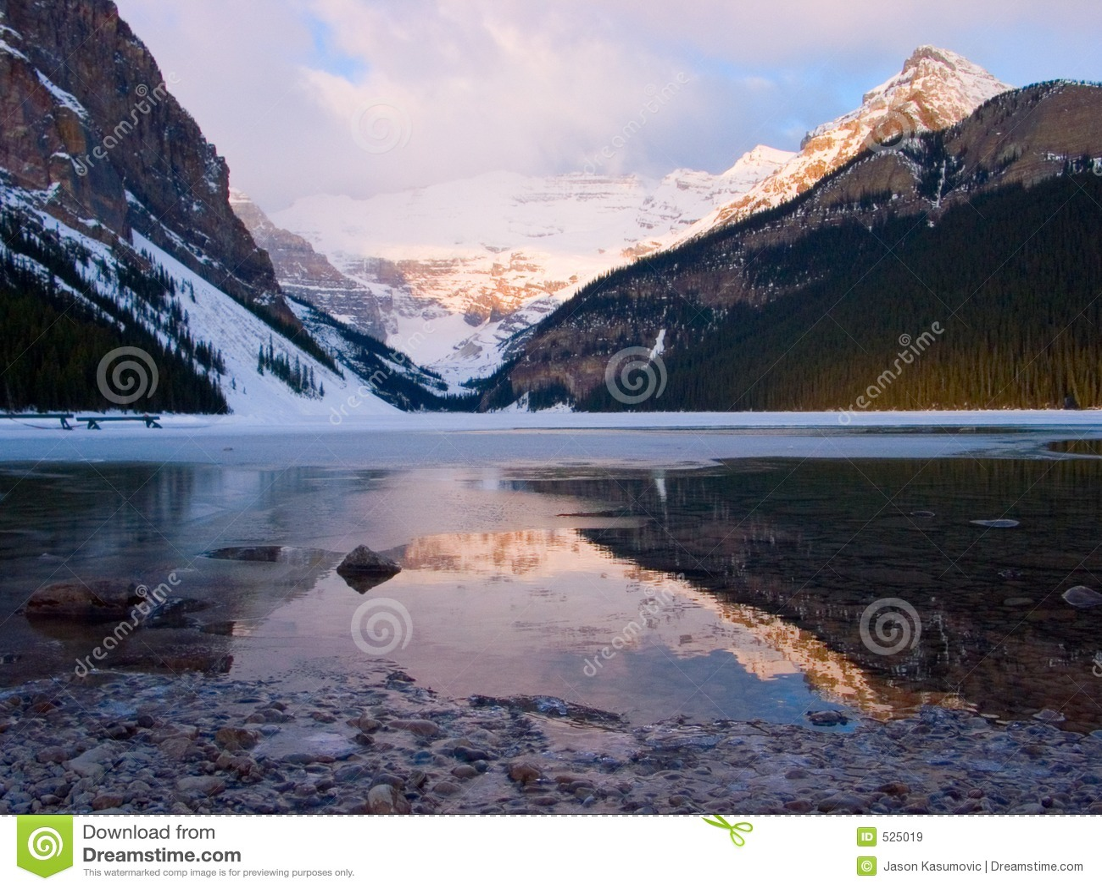 Download Lake Louise日出 库存图片. 图片 包括有 黎明, 云彩, 解冻, 室外, 春天, 岩石, 融解, 相当 - 525019