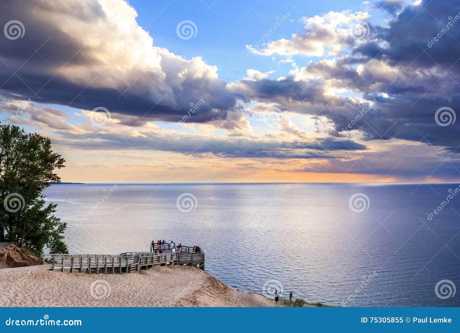 Lake Michigan förbiser på solnedgången