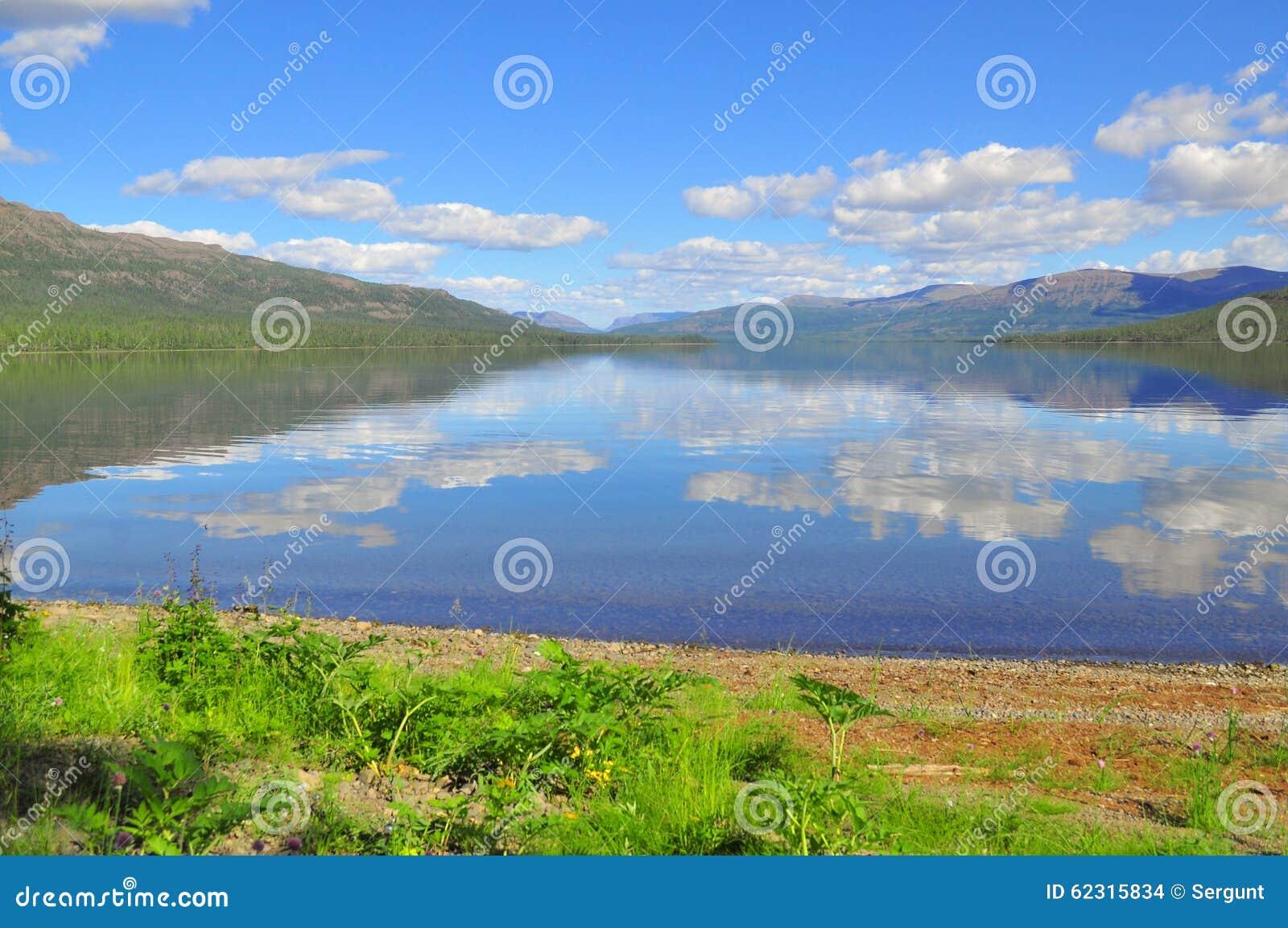 Lake Nakomyaken in the Putorana plateau.