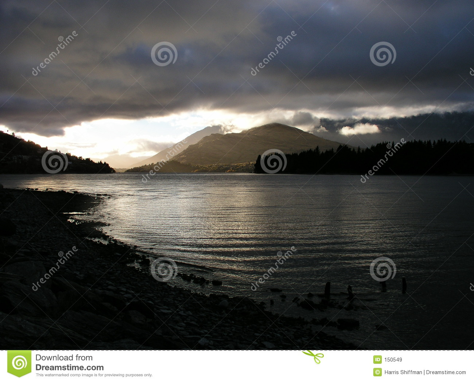 Lake Wakatipu morning