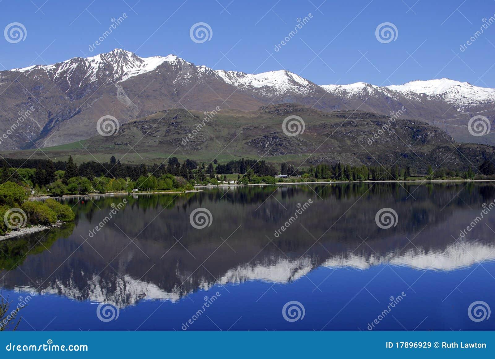 reflection mountains wanaka the - photo #8