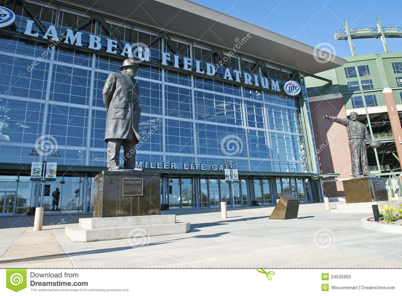 lambeau field and the green bay The narrative of the green bay packers is a momentous story of a residential area's capacity to have a noteworthy class proficient games group.