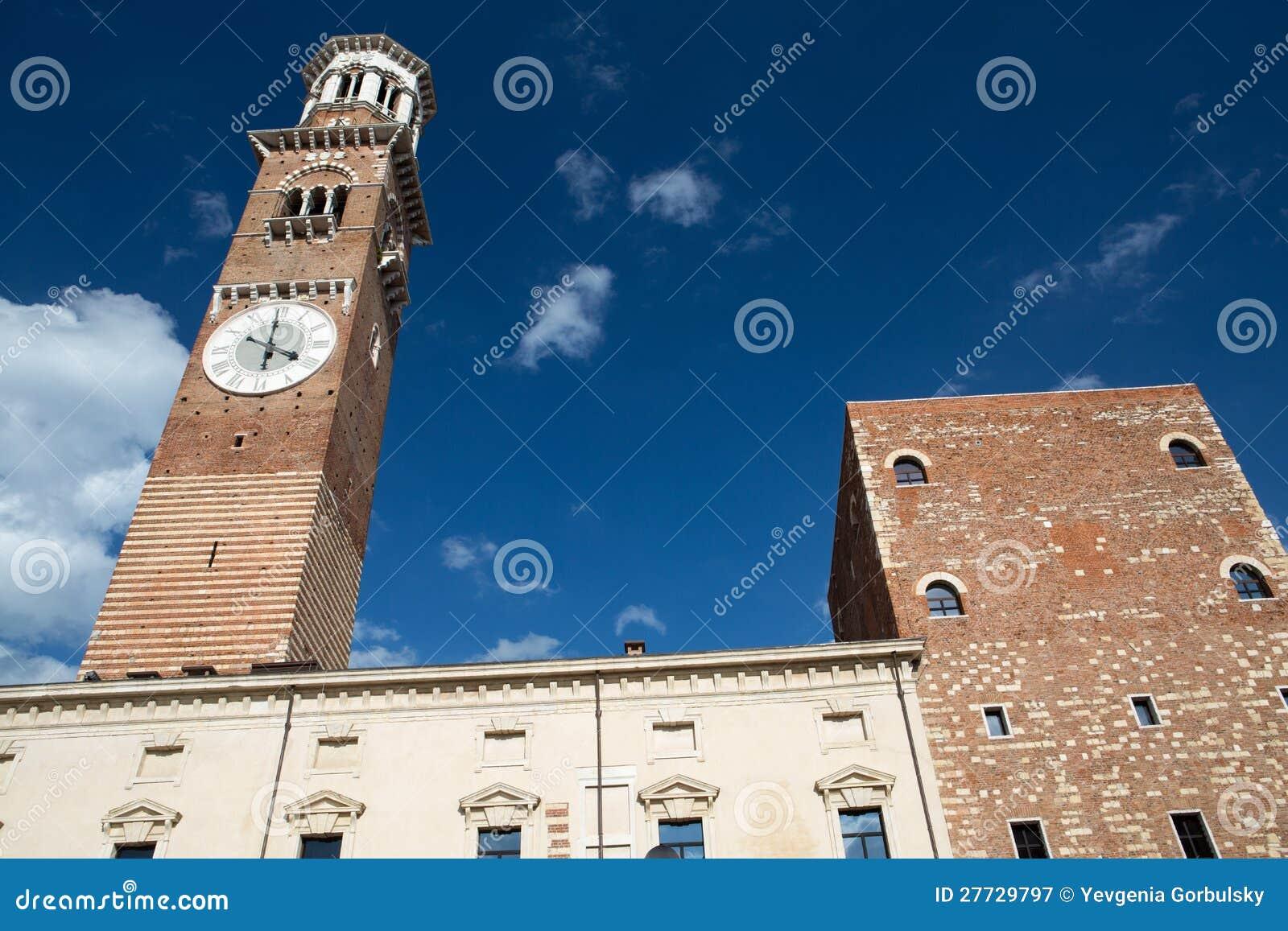 Lamberti Kontrollturm in Verona