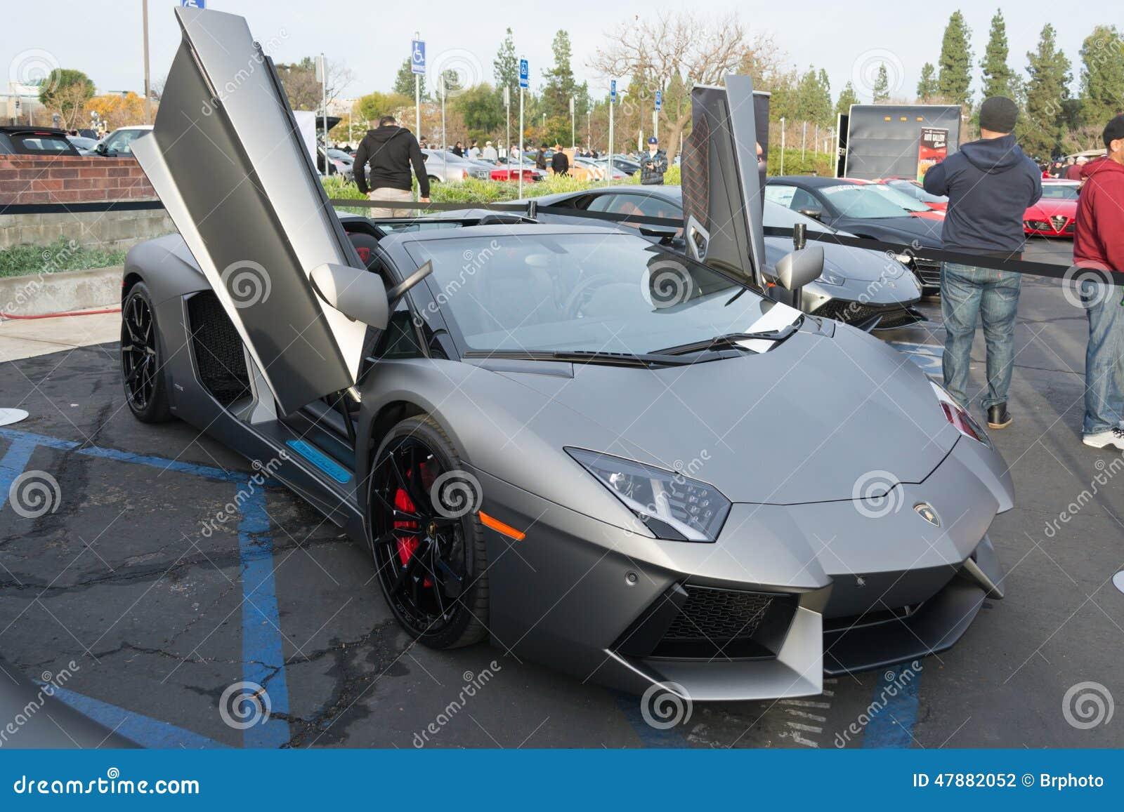 Lamborghini Aventador su esposizione
