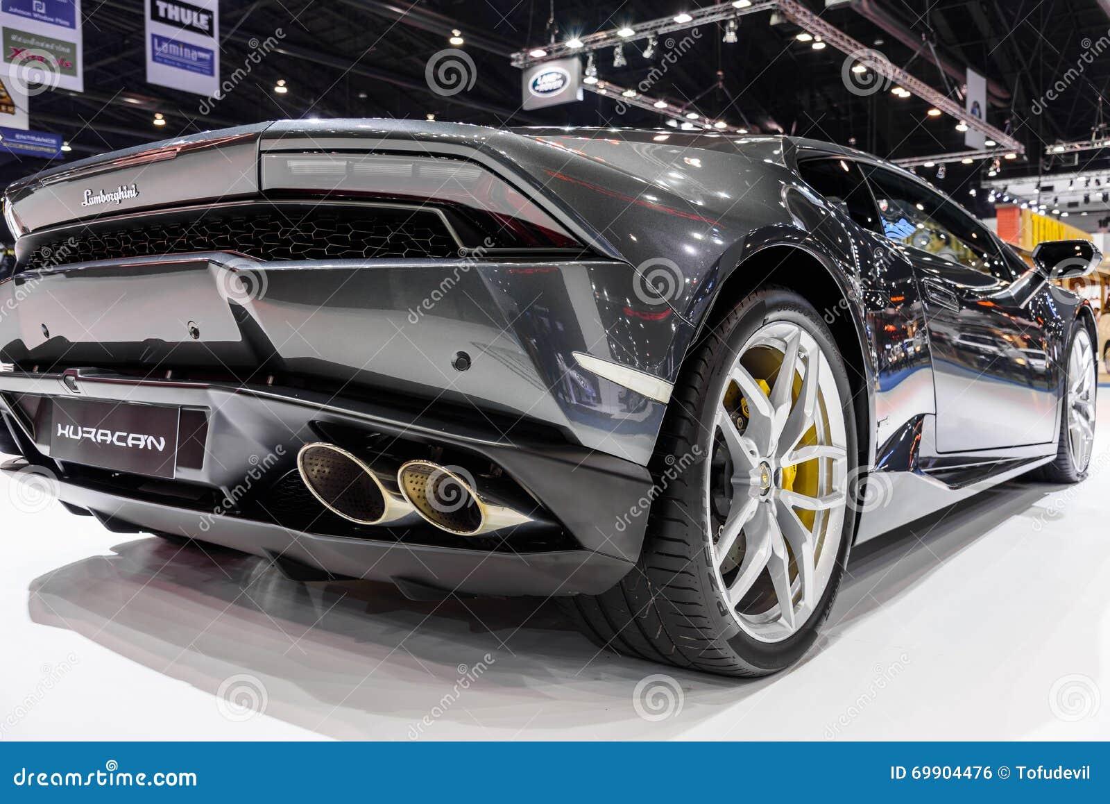 Lamborghini Huracan na exposição na 37th exposição automóvel do International de Banguecoque