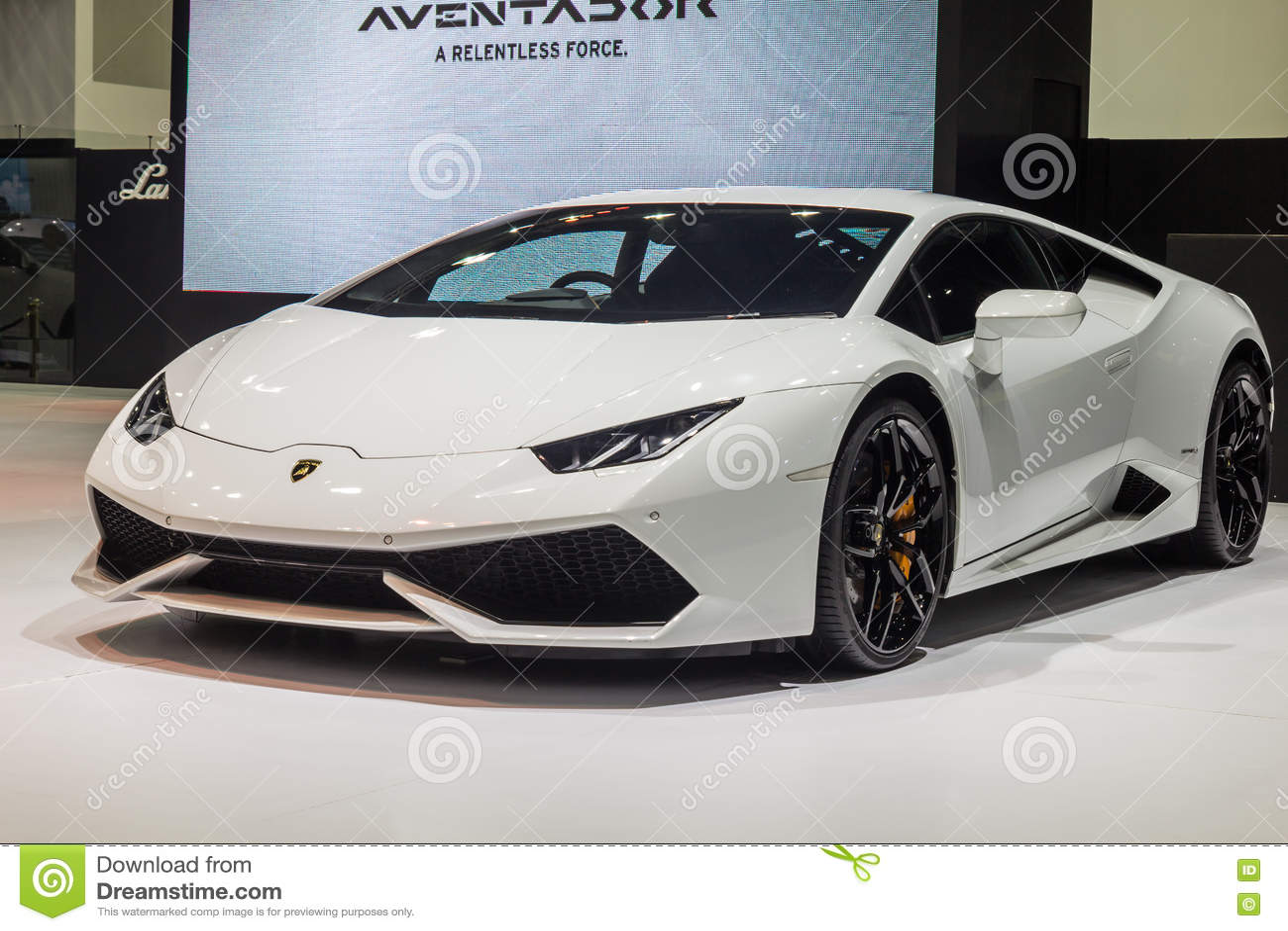: Lamborghini Huracan, supercarro básico, mostrado em Tailândia t