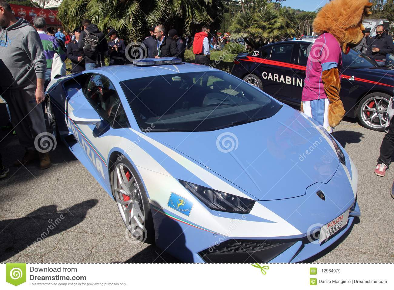 Lamborghini Police Editorial Stock Image Image Of Roma 112964979