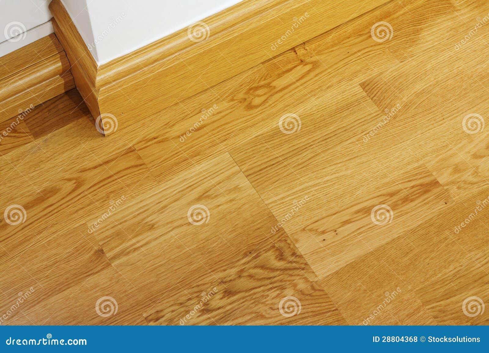 Laminate flooring skirting boards laminate flooring for Wood skirting