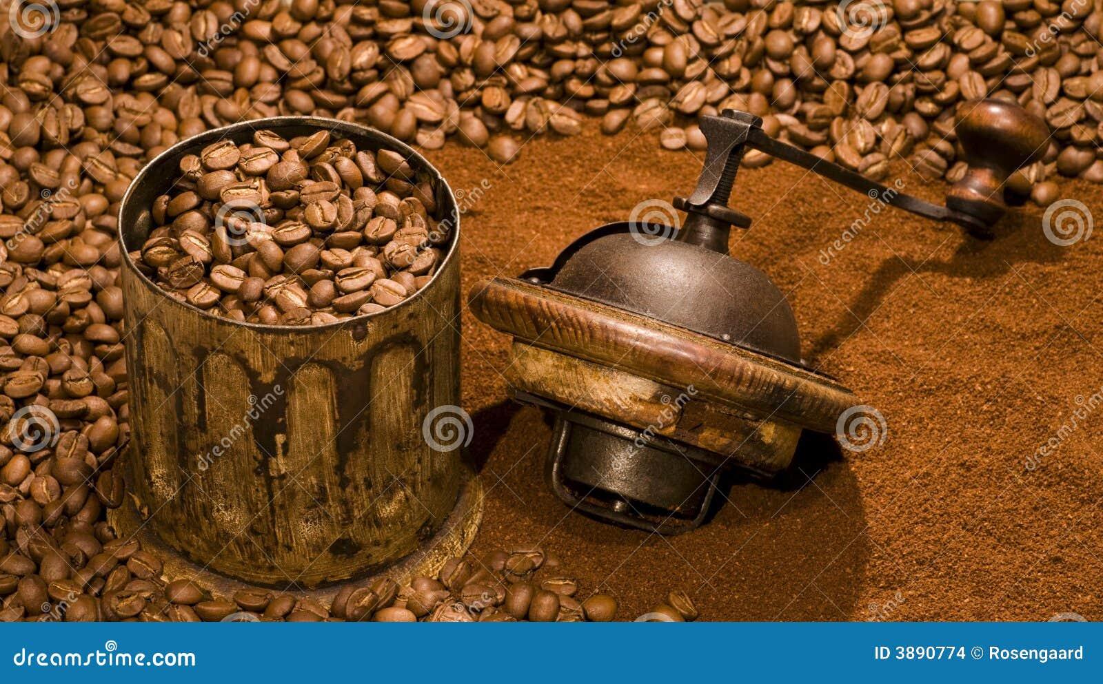 Laminatoio di caffè e chicchi di caffè