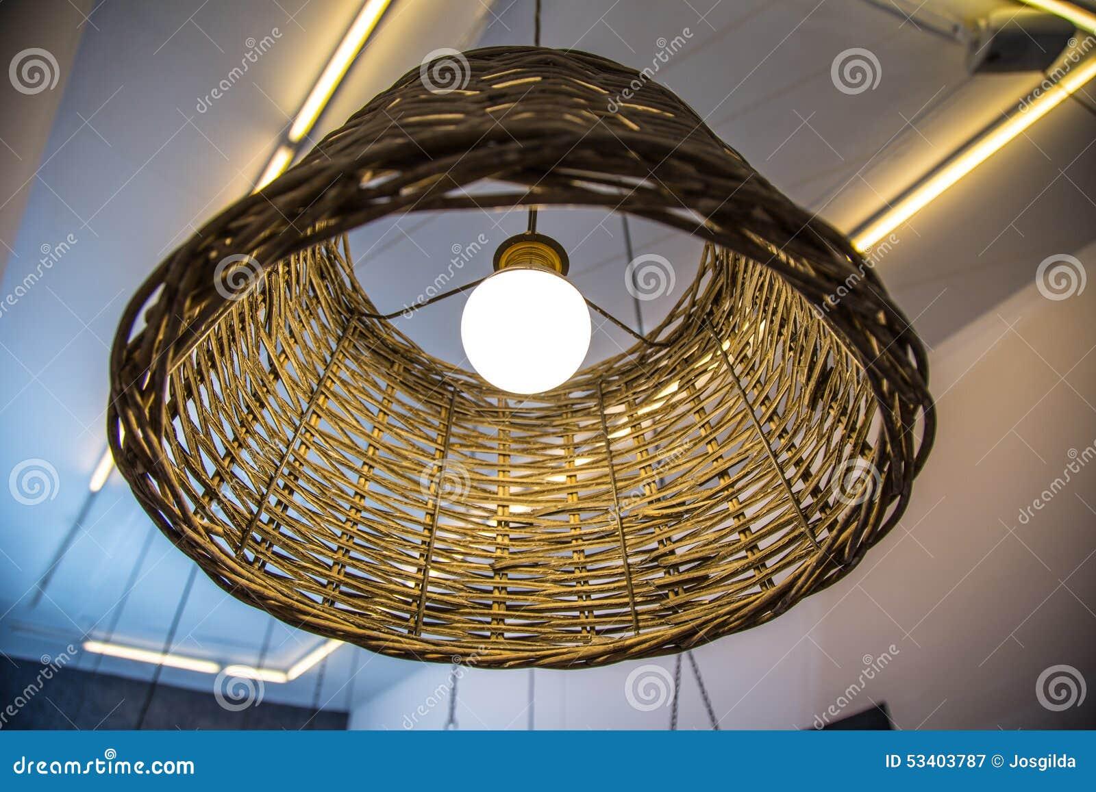 Plafoniere Vimini : Lampada di vimini immagine stock illuminazione