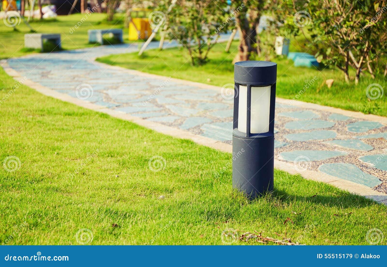 Lampada moderna del prato inglese immagine stock immagine di