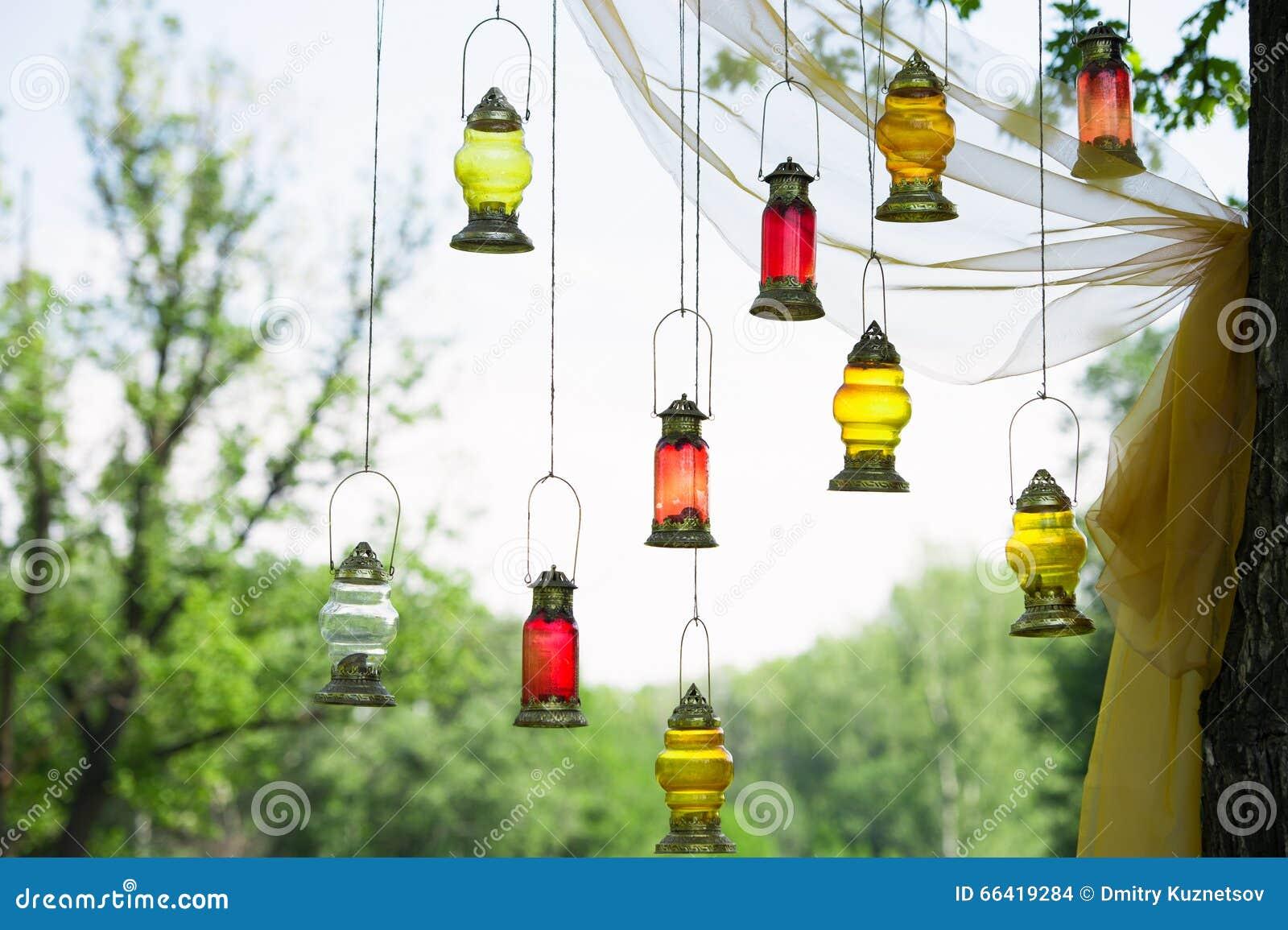 Lampade arabe fotografia stock. Immagine di tessile, rosso - 66419284