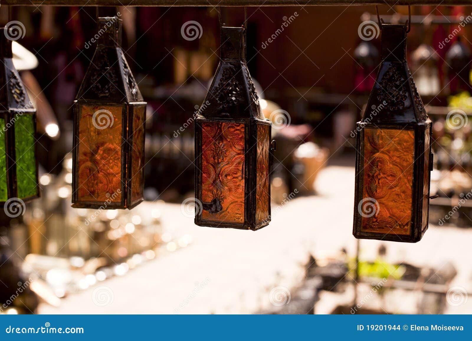 Lampade Marocchine Delle Lanterne Del Metallo E Di Vetro Immagini Stock - Immagine: 19201944