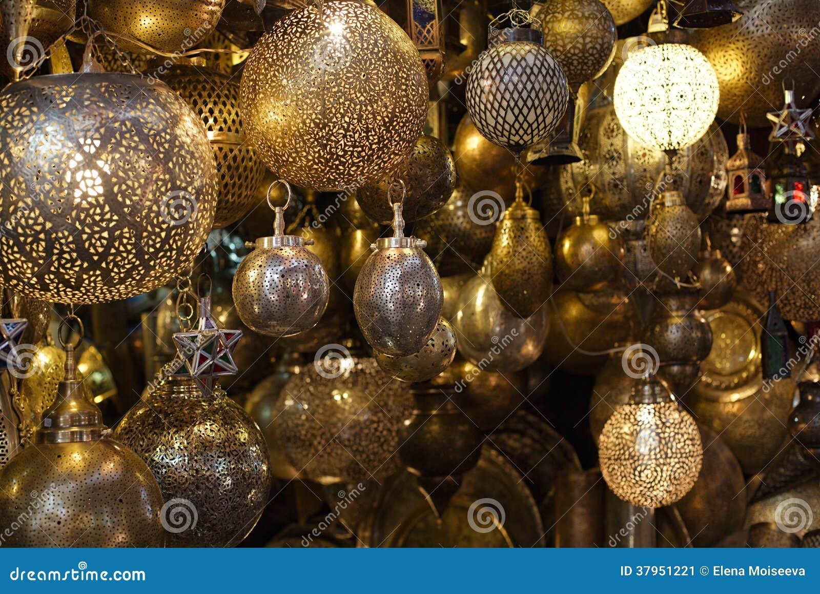 Lampade Marocchine Delle Lanterne Del Metallo E Di Vetro A Marrakesh Immagine Stock - Immagine ...
