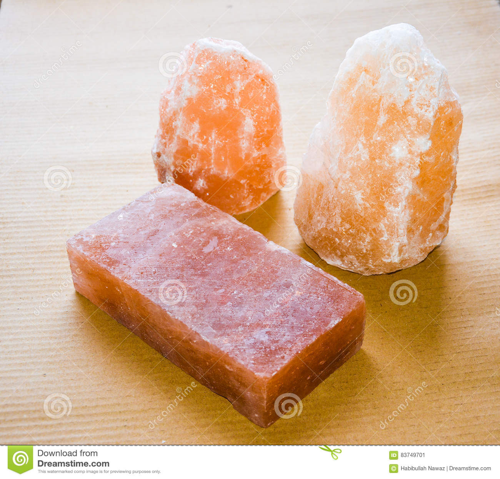 Lampade & mattonelle del sale
