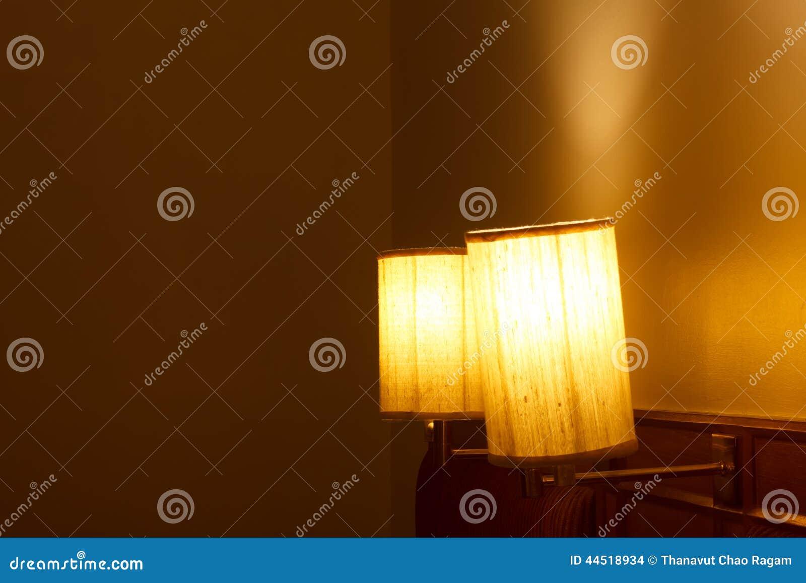 Lampade Camere Letto: Lampadari per camera letto moderna: moderna ...