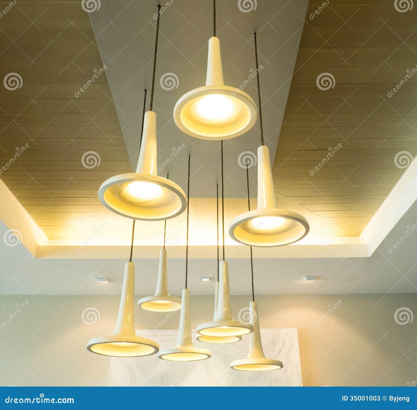 Foto di rivestimento cucina di piastrelle 10x10 for Lampade moderne a sospensione