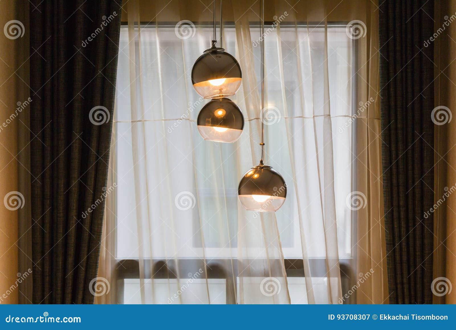 Lampade a sospensione sferiche moderne immagine stock immagine di