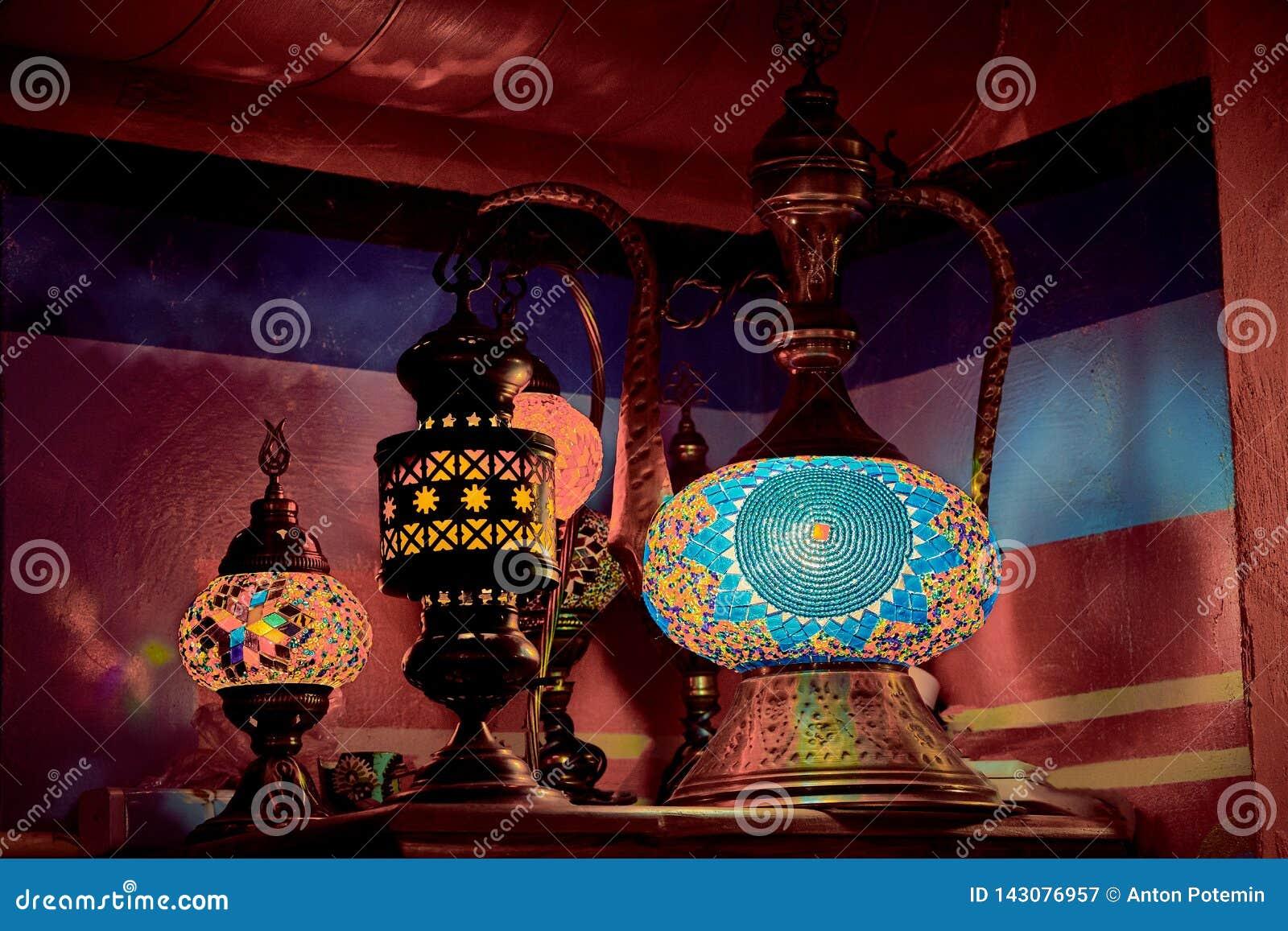 Lampe d Aladdin ethnique arabe de lampes