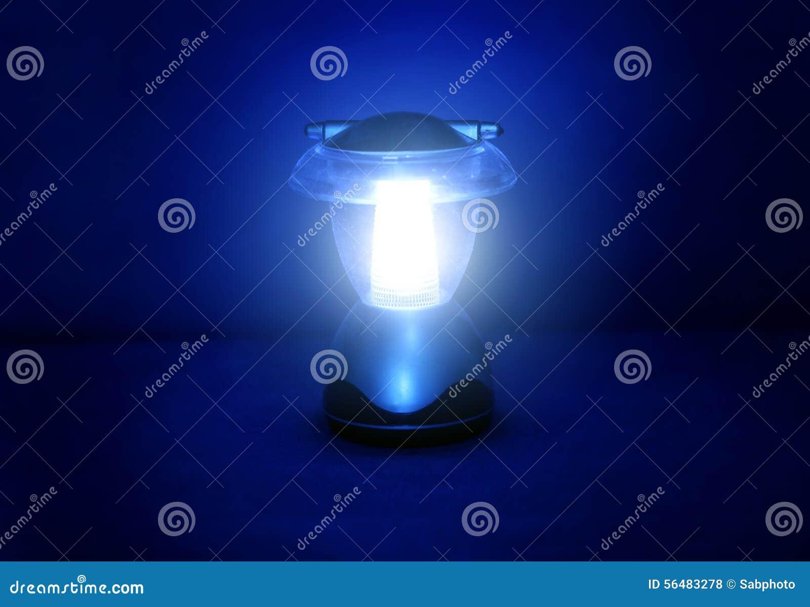 Lampe dans l obscurité