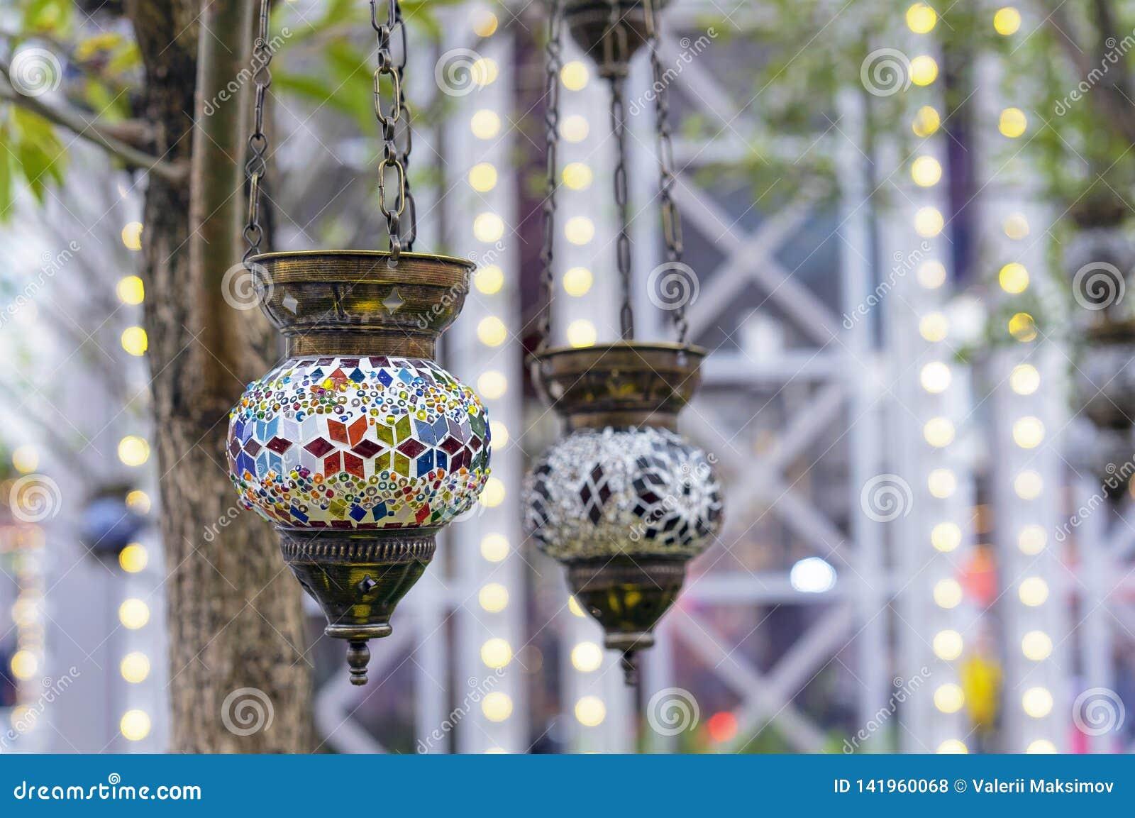Lampe in der orientalischen Art mit einem Mosaikentwurf