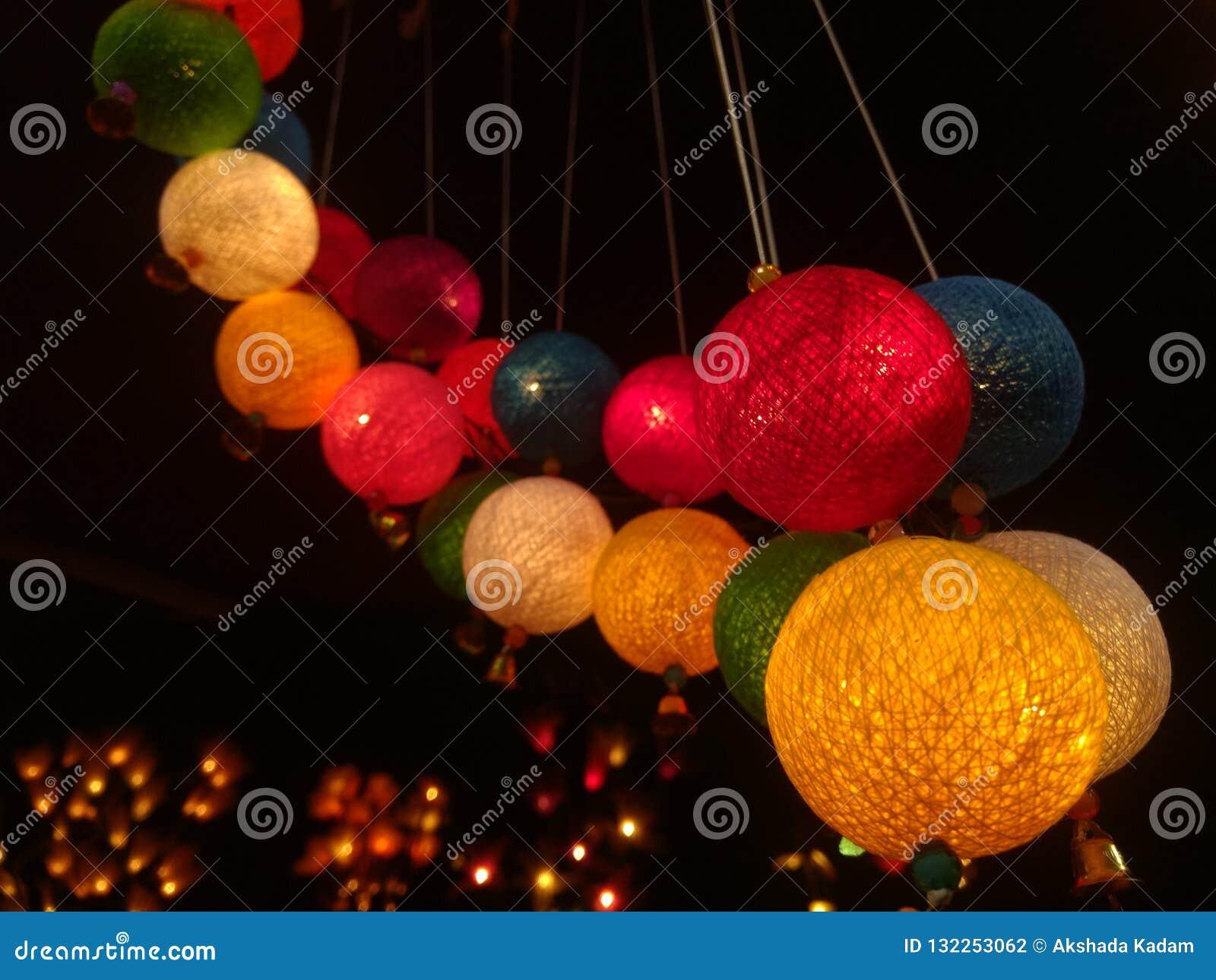 Lampen voor diwalifestival dat worden aangestoken