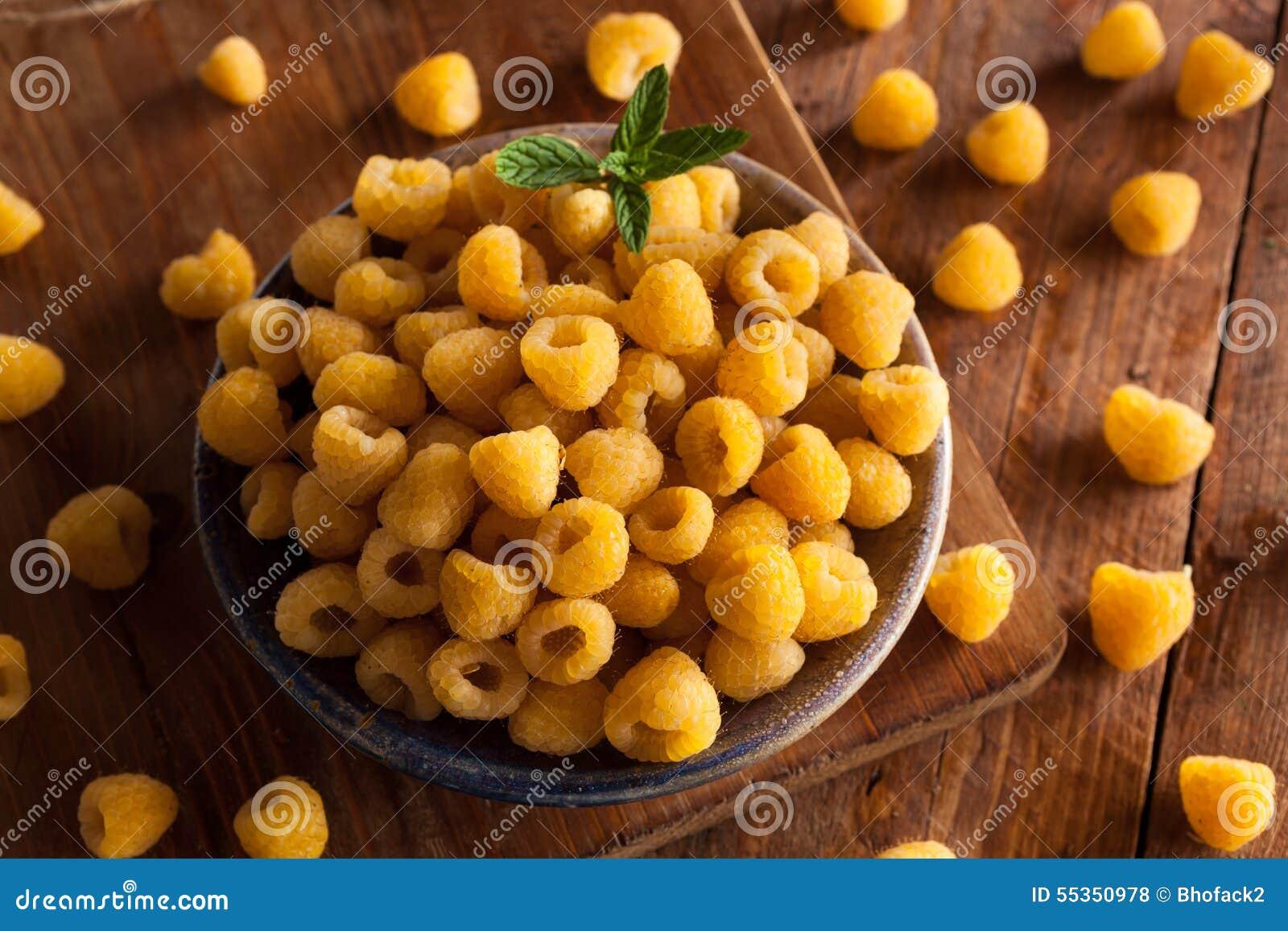 Lamponi gialli organici crudi