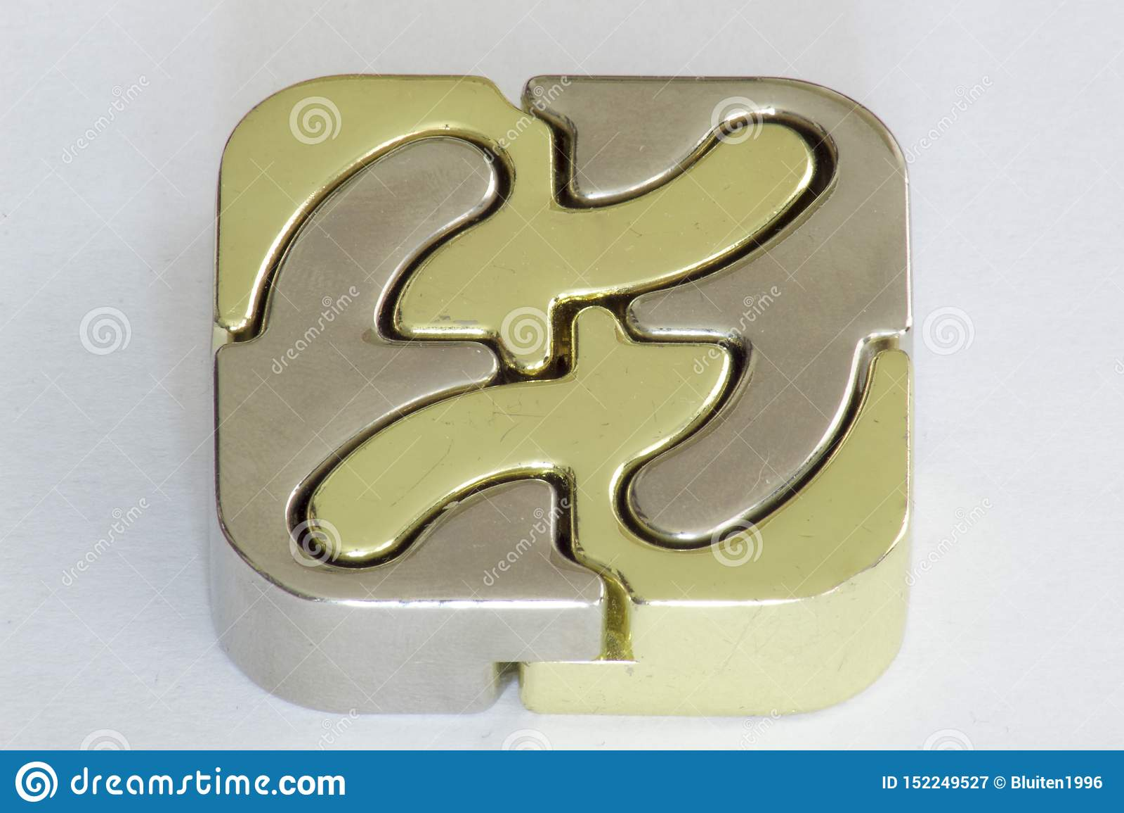 Lana żelazna łamigłówka 4 kawałków sześcianu złota nad srebro
