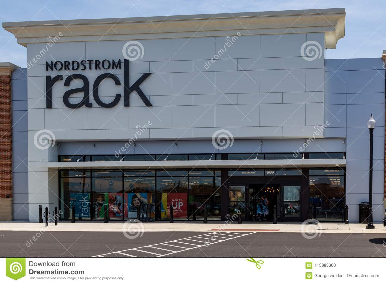 Nordstrom Rack Entrance editorial image. Image of editorial - 115883360 11c8f567c426