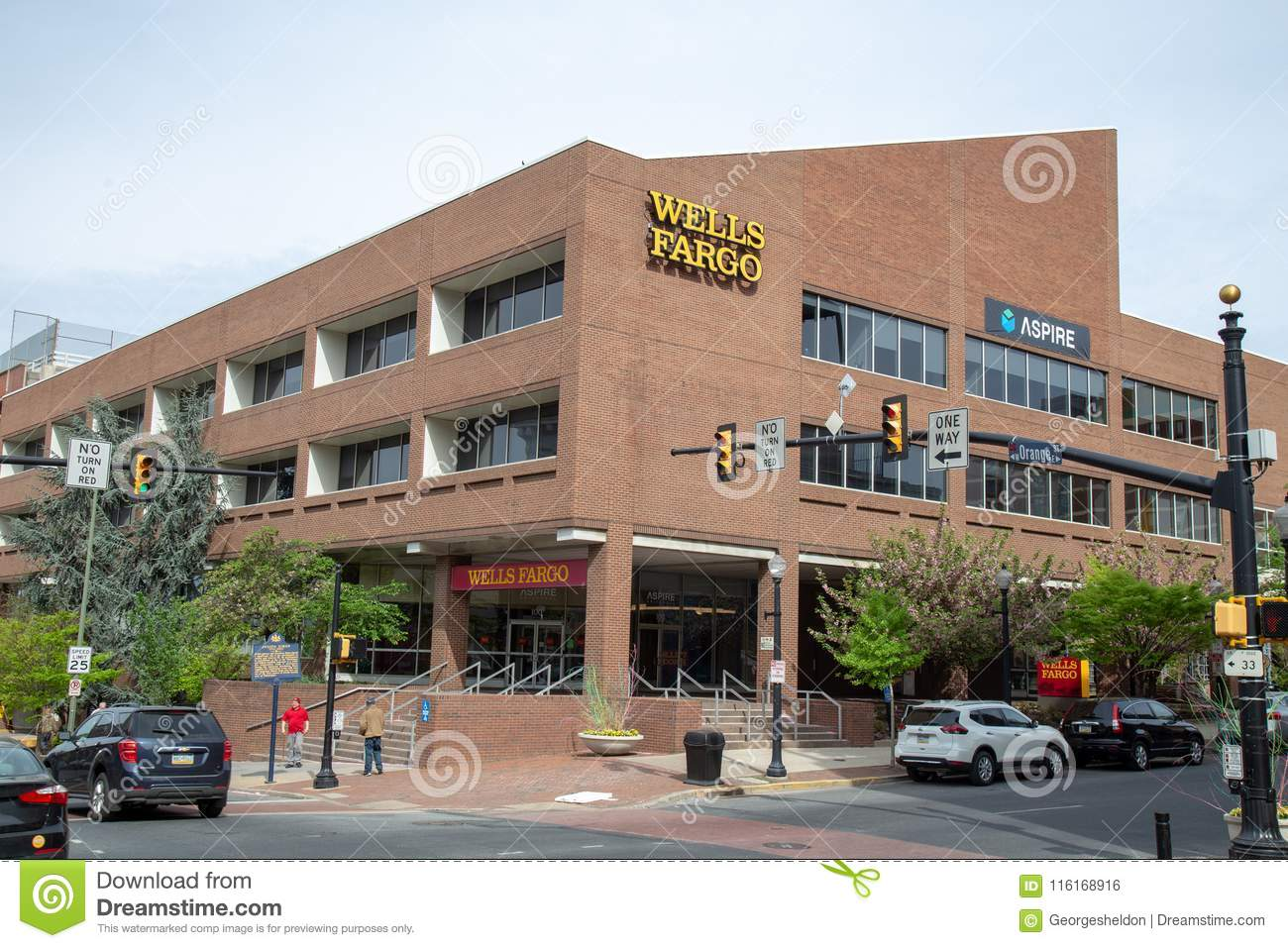 Wells Fargo Bank Branch Office Editorial Photo - Image of