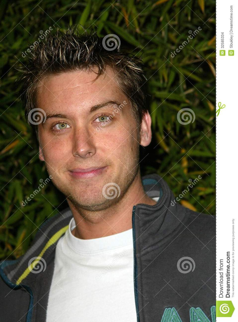 <b>...</b> et le lancement de Brandon Davis <b>Jean. Faucon</b>, Los Angeles, CA 04-24-06. - lance-bass-32585334